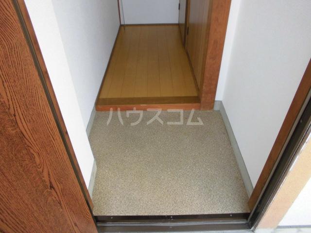 maison Sorte 102号室の玄関