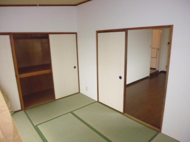 レ・ションド清涼 203号室のリビング