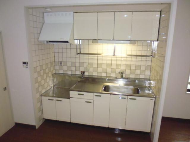 レ・ションド清涼 203号室のキッチン