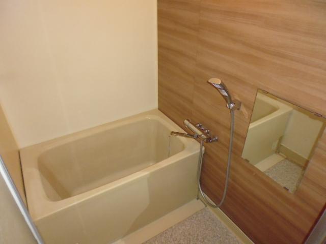 レ・ションド清涼 203号室の風呂