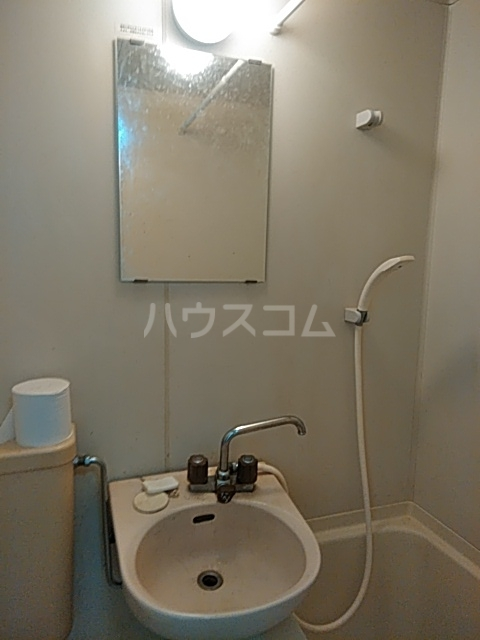 サンアドバンス立川 202号室の洗面所
