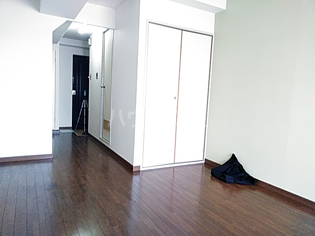 昇栄マンション 403号室のベッドルーム