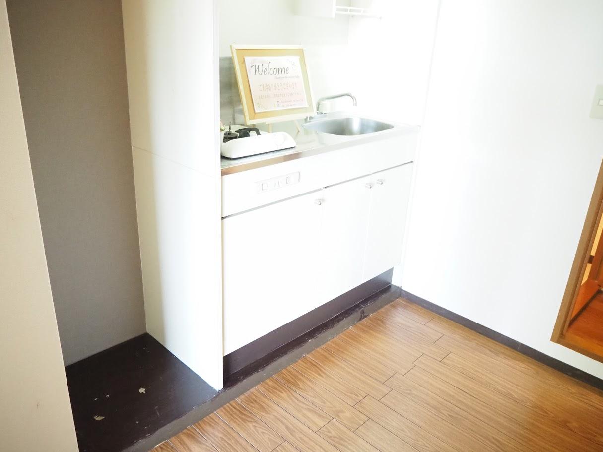 メゾンTMI 201号室のキッチン