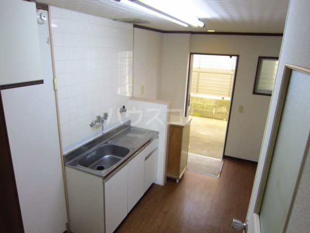 カサフローラ津田沼 206号室のキッチン