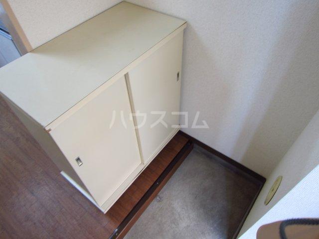 カサフローラ津田沼 206号室の玄関