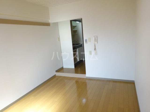 NUビル 203号室の居室