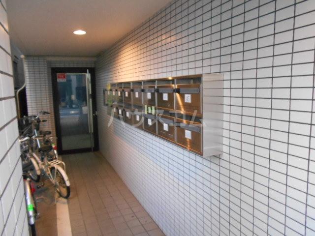 未麗 西京極 404号室のエントランス