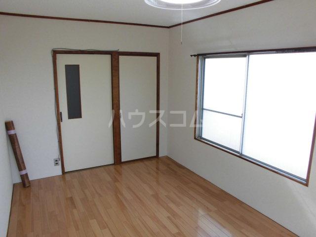 ファースト常盤野 405号室の居室