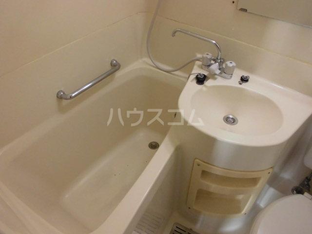 ファースト常盤野 405号室の洗面所