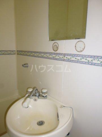 秀保マンション 203号室の洗面所