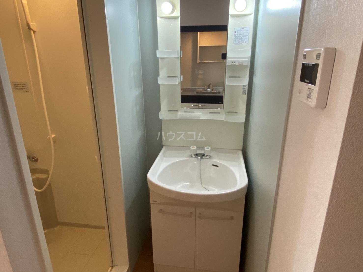 シャントール二条 410号室の洗面所