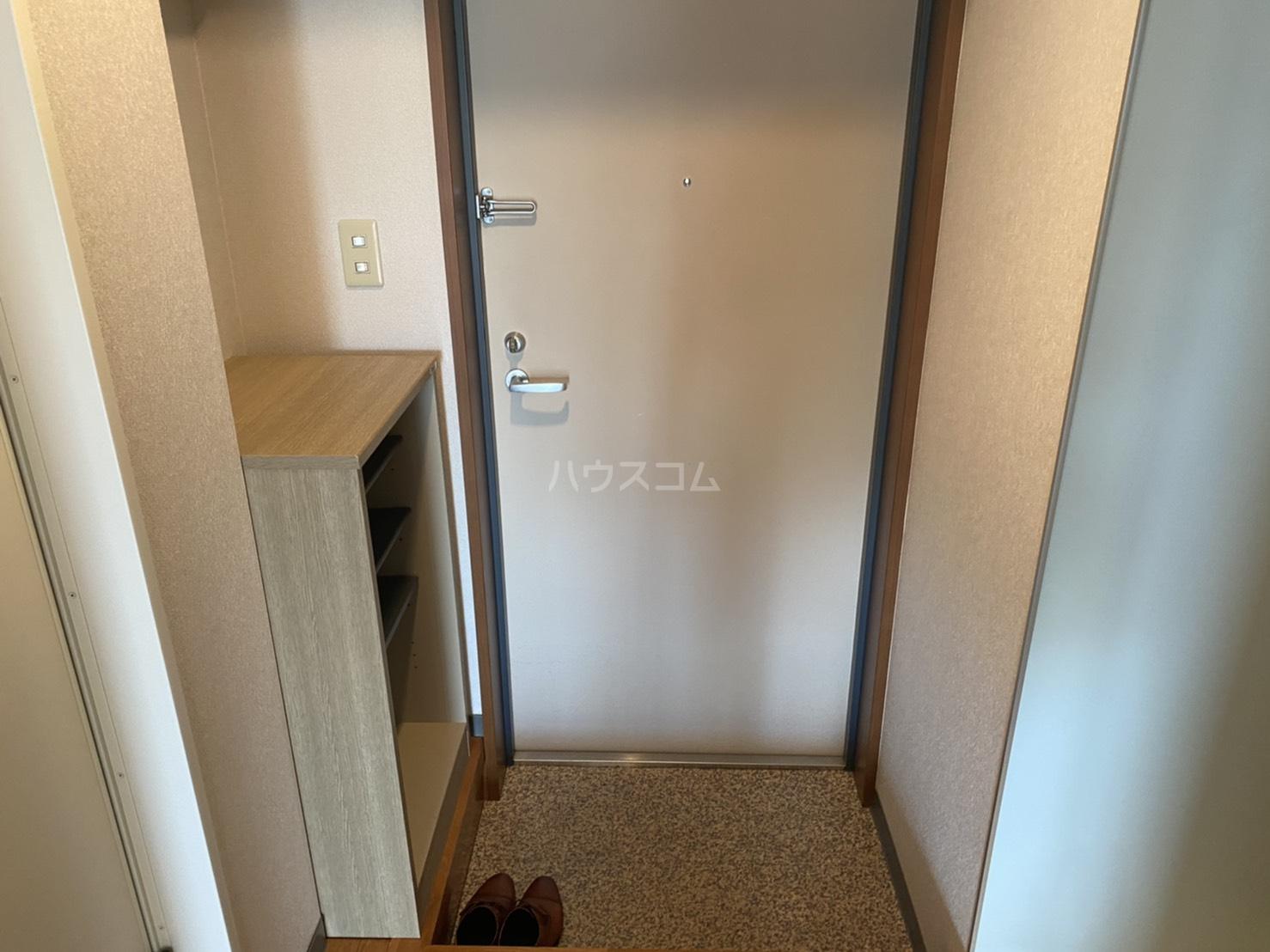 シャントール二条 410号室の玄関