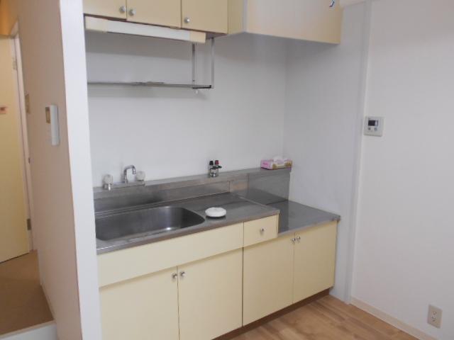 ヴィラ太秦 408号室のキッチン