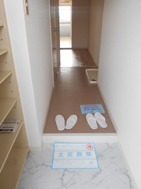 ヴィラ太秦 408号室の玄関