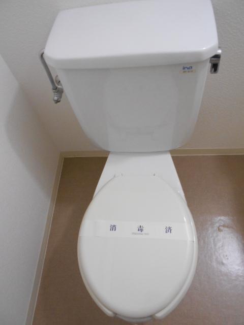 ヴィラ太秦 408号室のトイレ