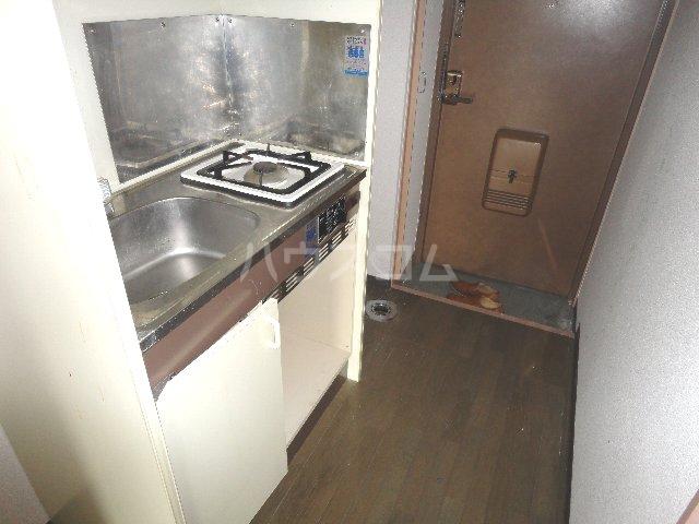 グッピーハイツ 303号室のキッチン