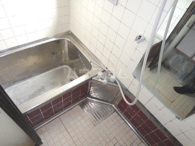 グッピーハイツ 303号室の風呂