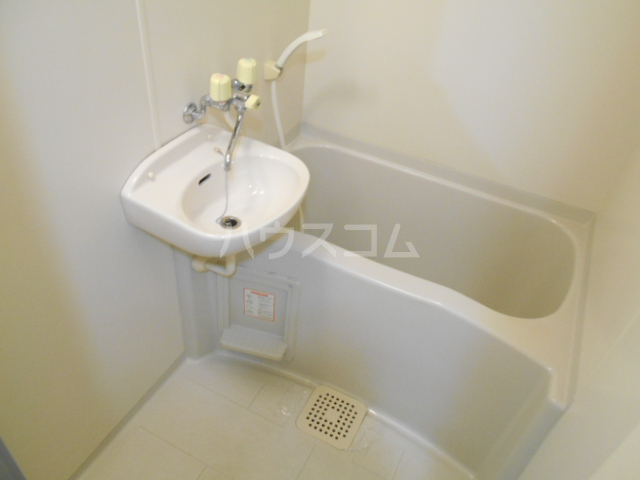 ZAK`S天神川 301号室の風呂