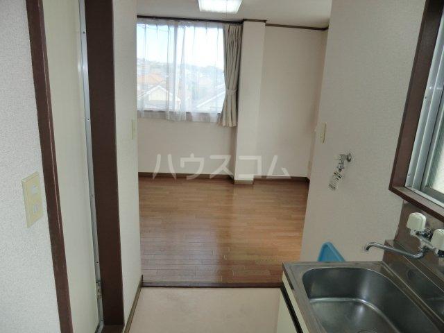カサイハイム 102号室の居室
