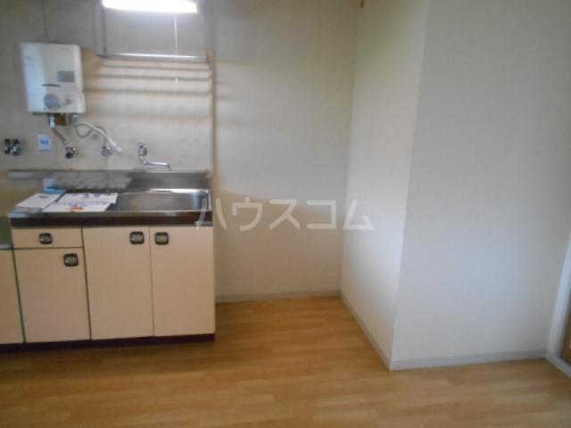 パストラルハイツ藤ノ木 202号室のキッチン
