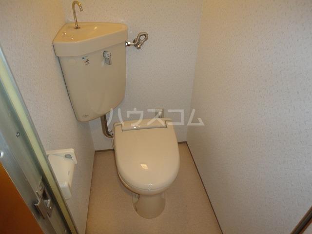 シャルレ8番館 201号室のトイレ