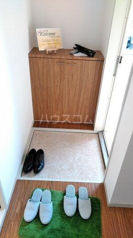 ハイツ吾田神 102号室の玄関