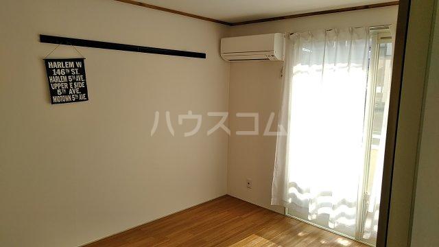 ハイツ吾田神 102号室の居室