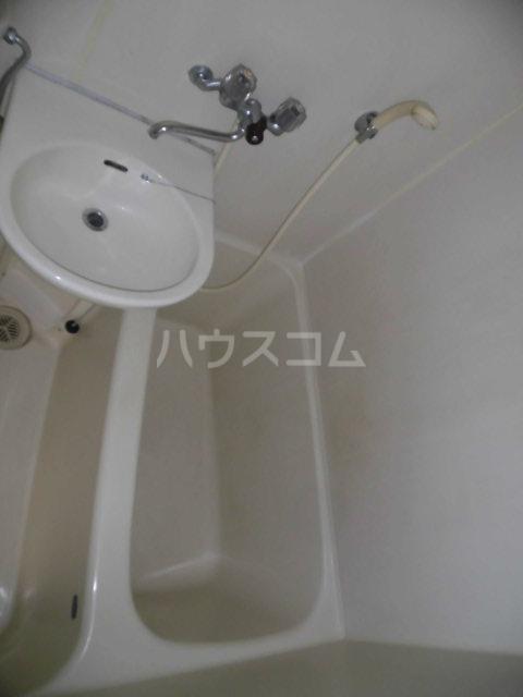 ラクレール八王子 301号室の洗面所