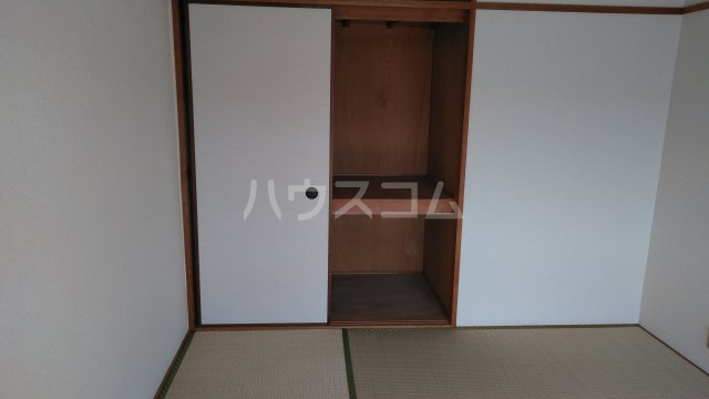 南桂雲荘 33号室の居室
