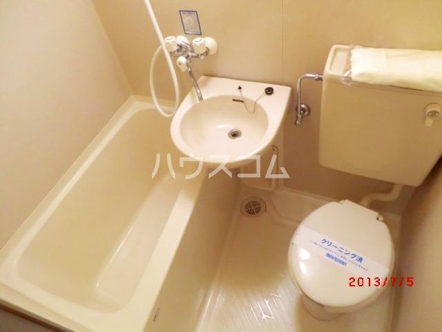 アベニュー国立 107号室の風呂
