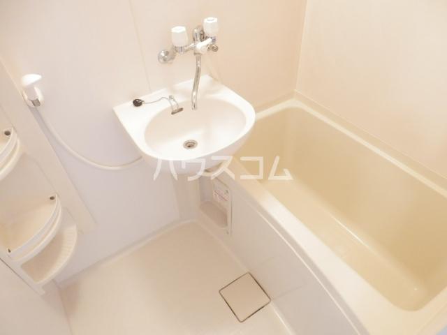 セジュールレジデンス 102号室の洗面所