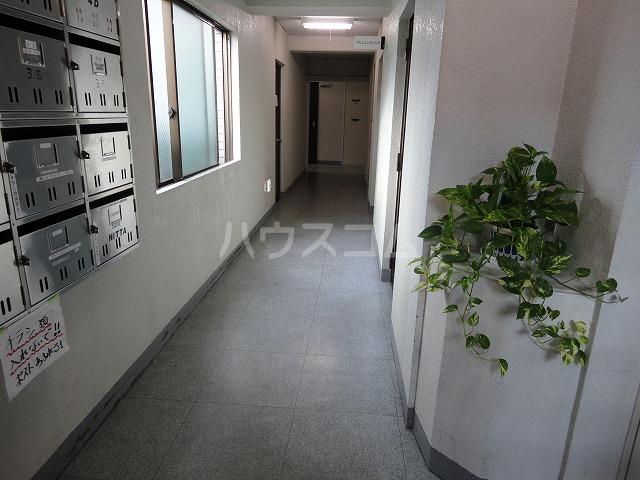 プランニングバングビル梅津 2C号室のエントランス