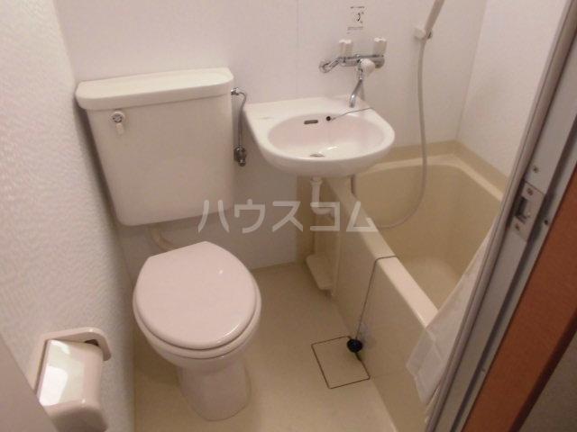 プランニングバングビル梅津 2C号室の洗面所