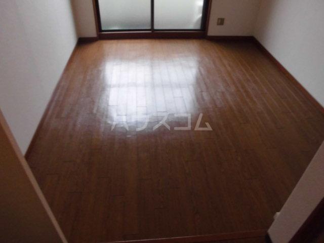 プランニングバングビル梅津 2C号室の居室