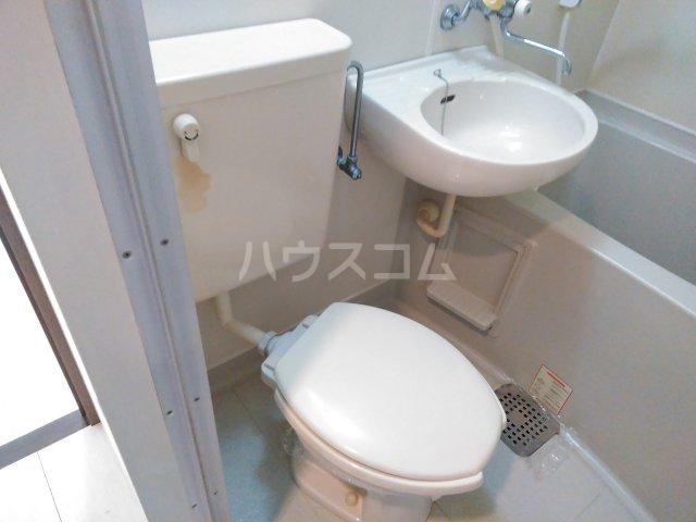 ジョイテル西院 407号室のトイレ