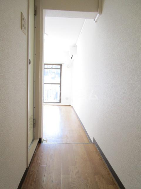 シャローム国分寺 303号室の玄関