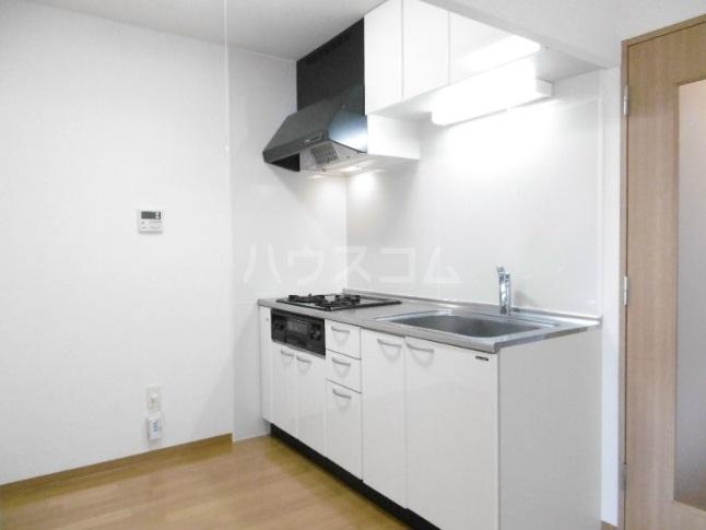 マンダリーヌ 402号室のキッチン