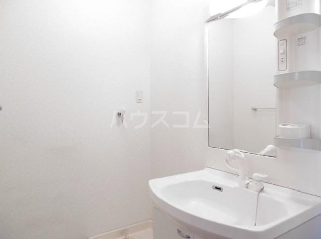 マンダリーヌ 402号室の洗面所