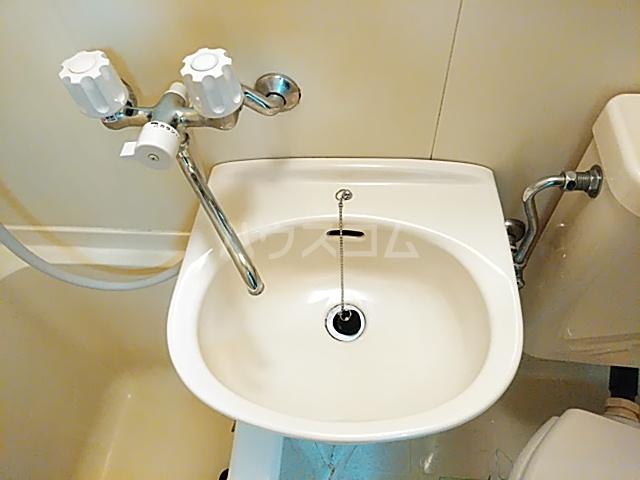 ハイムマエダ 305号室の洗面所