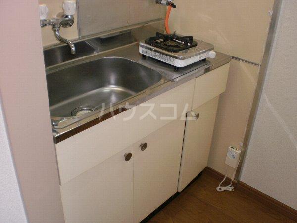 マルカクカウンタックハイツ 204号室のキッチン