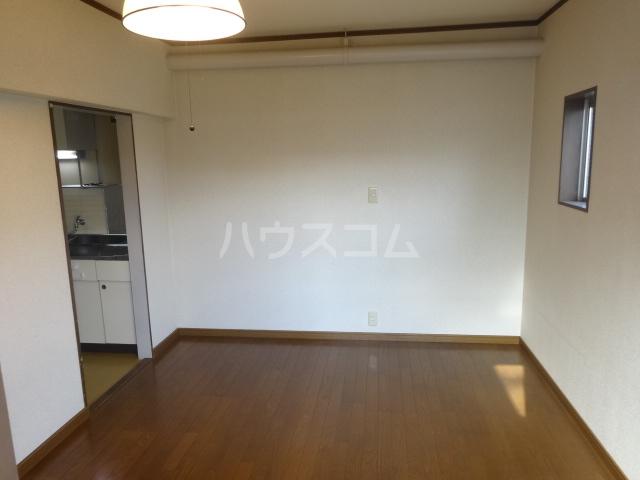 マルカクカウンタックハイツ 205号室のキッチン