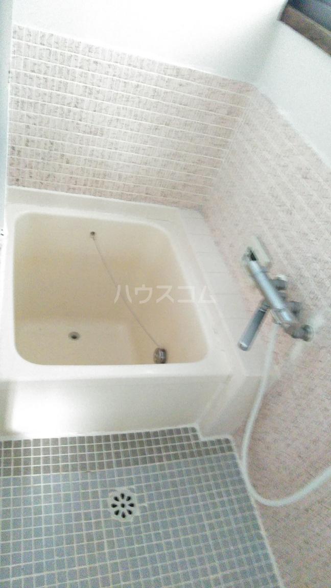 春日町貸家の風呂