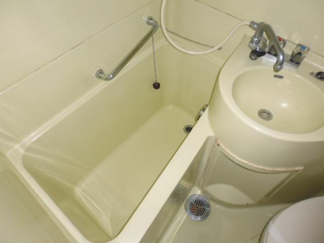 グリーンヒル山田 205号室の風呂