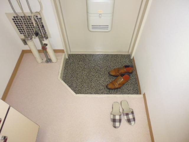グリーンヒル山田 205号室の玄関