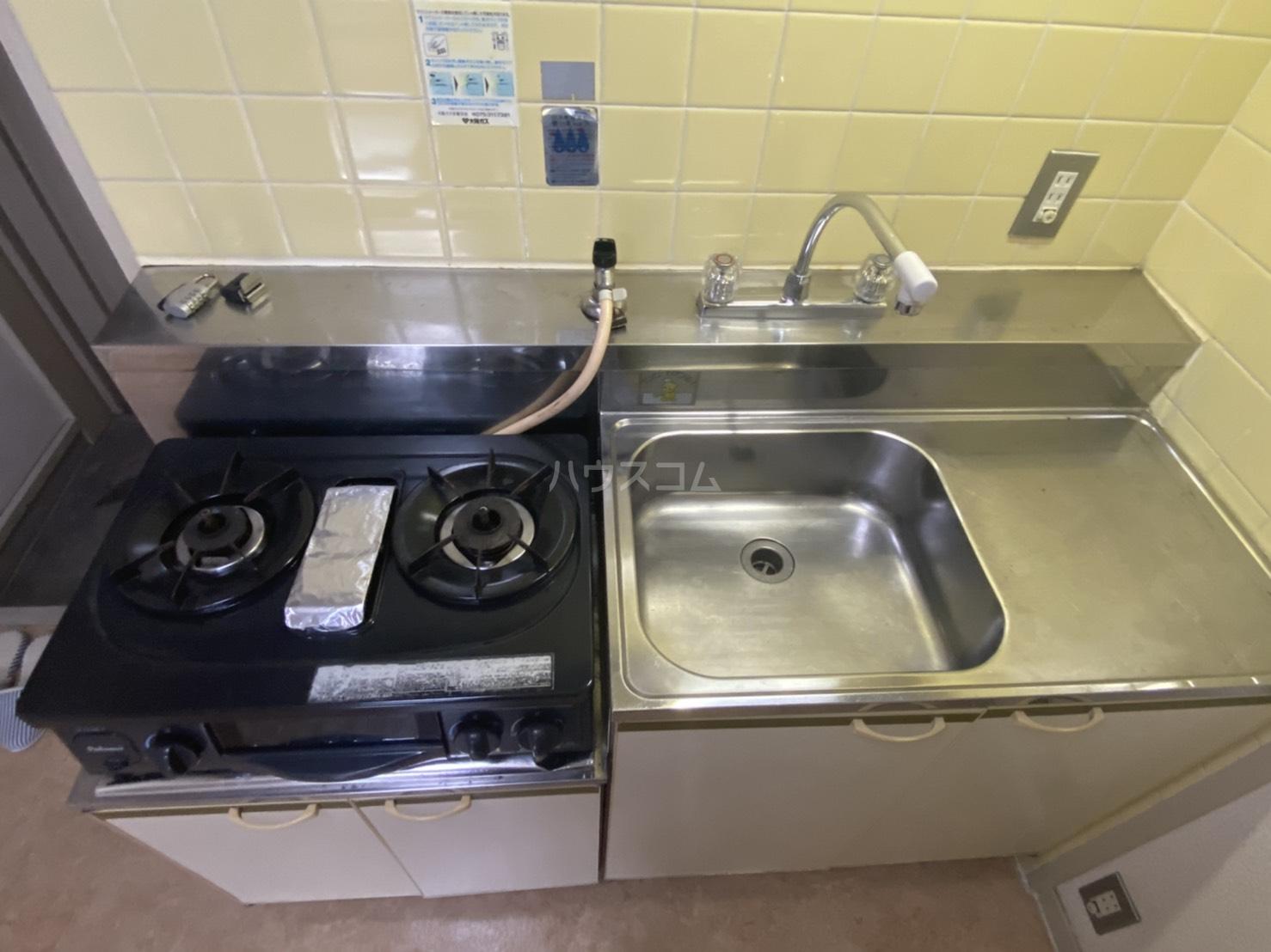 フリーピア鳴滝Ⅰ 103号室のキッチン