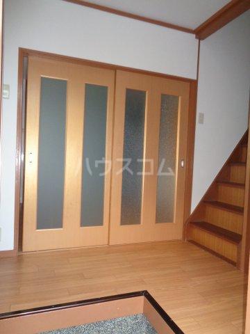 篠町篠上中沢貸家の玄関