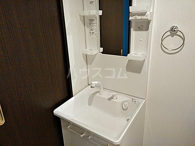 フラッティ丸太町御前 207号室の洗面所