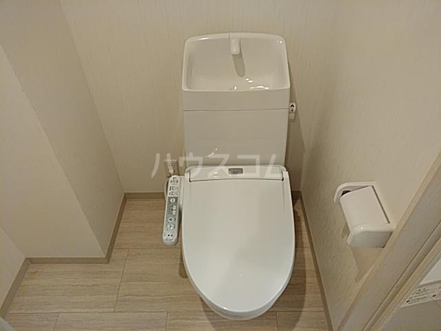 チェーズ高辻葛野西 502号室のトイレ