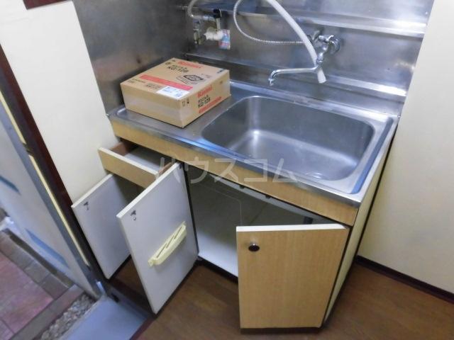 コーポサンフラワ 102号室のキッチン