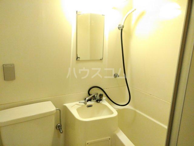 ハイライフ嵯峨 213号室の洗面所